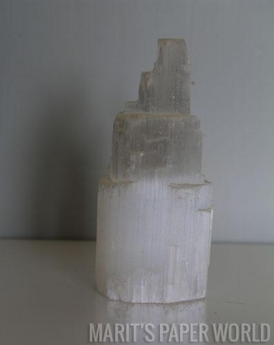 aprildrawing07-crystals-fot